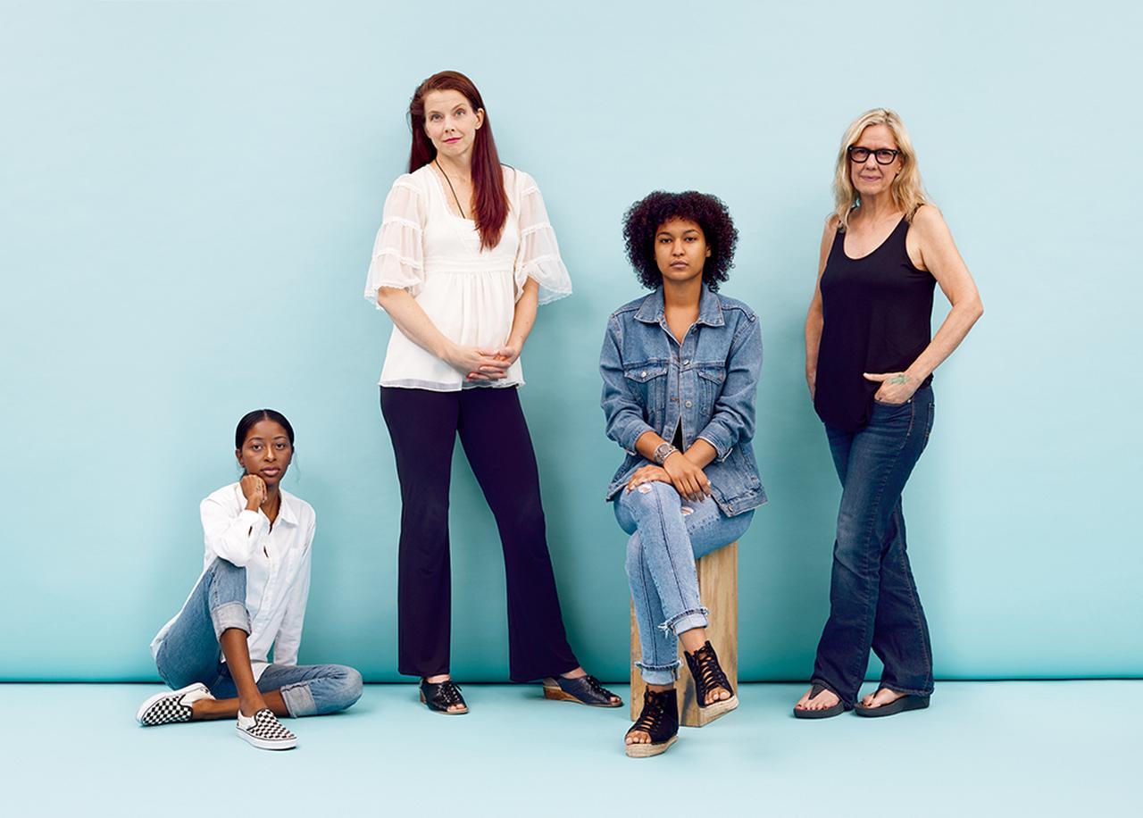 Images : ダレン・ベイダーによる 4 作品:キャンディがこう言い、ステファニーはああ言い、リサがこう言うと、キャロラインがああ言う