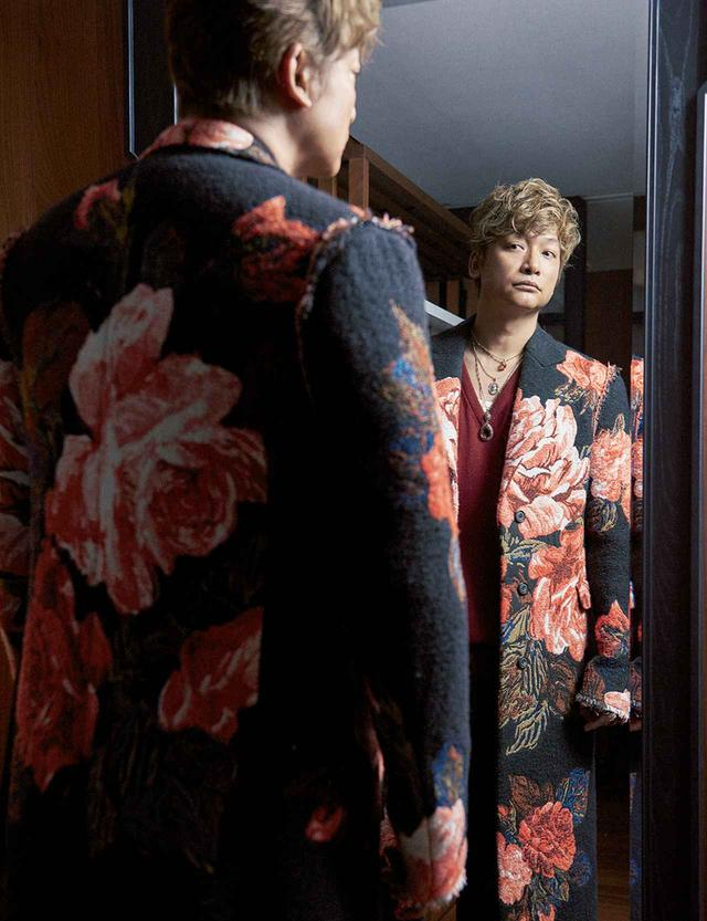 画像4: 香取慎吾 ―― 着飾りすぎる男