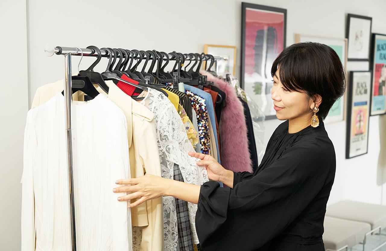 Images : 東京・南青山の自身のオフィス「SLITS」で