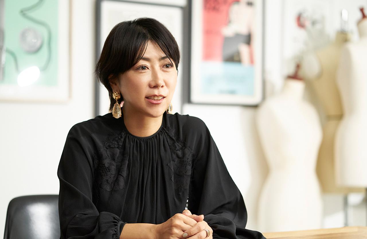 Images : 2番目の画像 - 「Design My Life <Vol.3> 噂のフェイスライン・コルセット美容 体験レポート スタイリスト 一ツ山佳子さん」のアルバム - T JAPAN:The New York Times Style Magazine 公式サイト