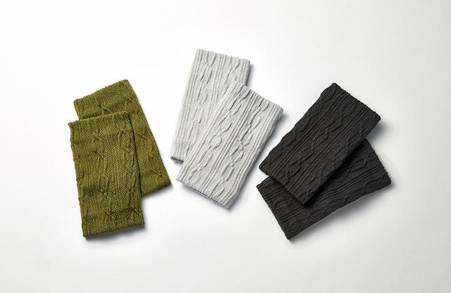 画像: 「アンクルウォーマー ショート」 (写真左から)オリーブ、ペールグレー、チャコールグレー 各¥1,800