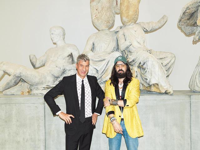 画像: マウリツィオ・カテラン(左)とアレッサンドロ・ミケーレ COURTESY OF GUCCI