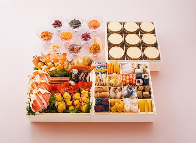 画像: 「銀座 鮨青木」のおせち「寿」。三段重(5~6人前)¥120,000 江戸前鮨の伝統と現代の味覚を贅沢に盛り込んだ33品