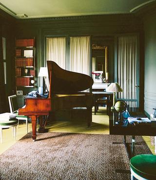 曲作りをする1920年代のスタンウェイ