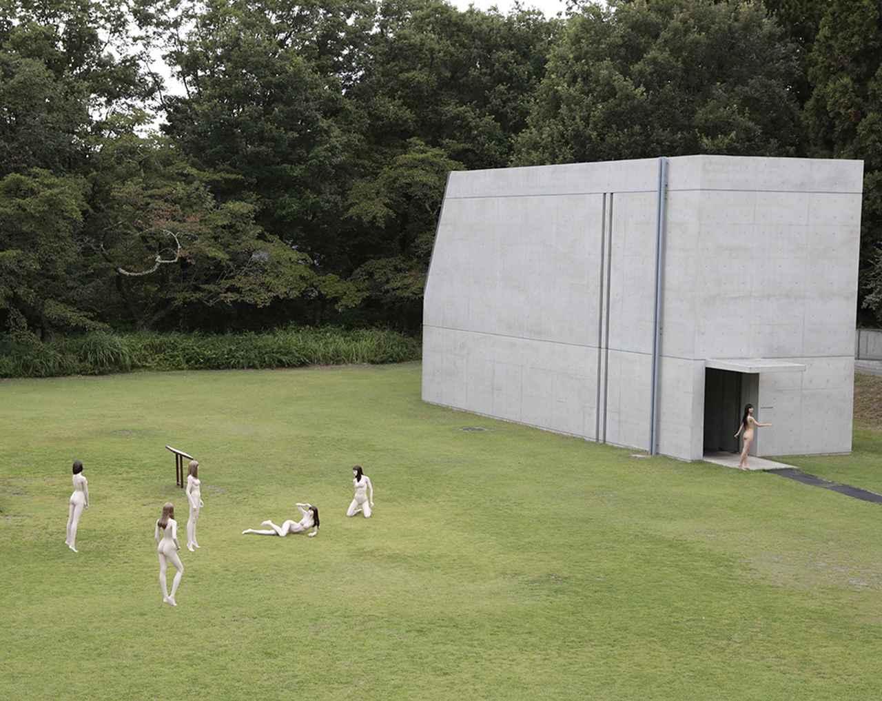 Images : 1番目の画像 - 「安藤忠雄が作った美術館で 篠山紀信が撮る。 光を介した巨匠の共演」のアルバム - T JAPAN:The New York Times Style Magazine 公式サイト