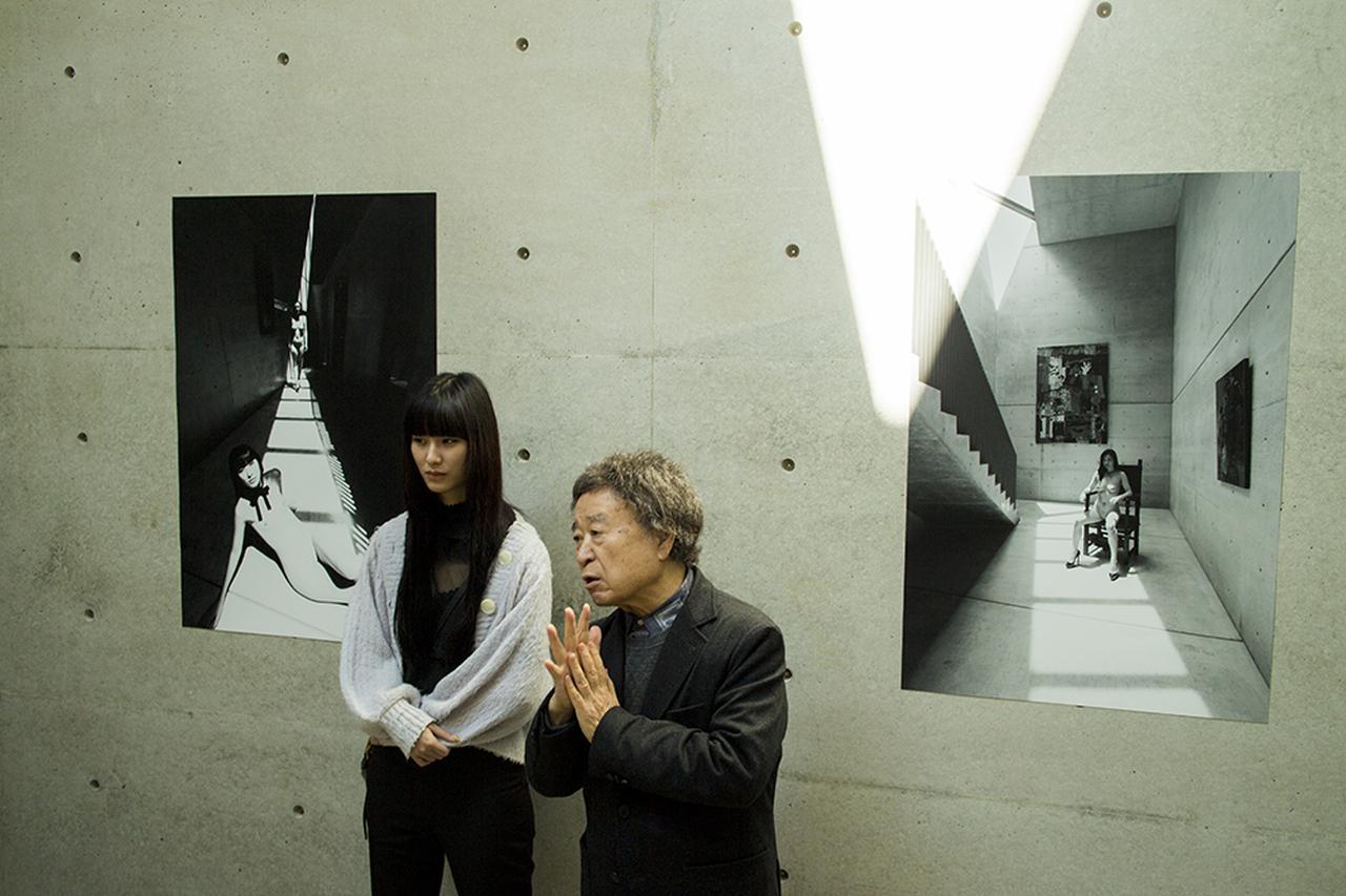 Images : 3番目の画像 - 「安藤忠雄が作った美術館で 篠山紀信が撮る。 光を介した巨匠の共演」のアルバム - T JAPAN:The New York Times Style Magazine 公式サイト