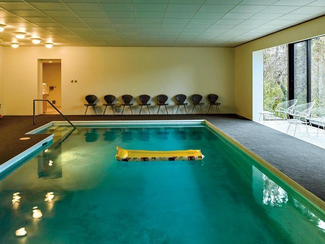 画像: ほかの写真をみる ヤマサキ邸にある室内プール