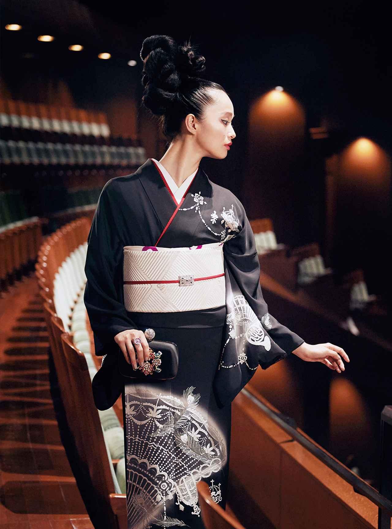 Images : 5番目の画像 - 「至福の時空へ誘う 華麗なる観劇スタイル」のアルバム - T JAPAN:The New York Times Style Magazine 公式サイト