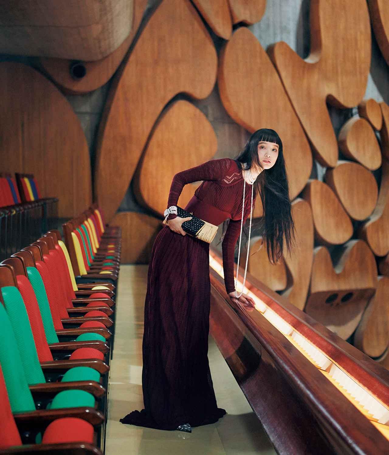 Images : 2番目の画像 - 「至福の時空へ誘う 華麗なる観劇スタイル」のアルバム - T JAPAN:The New York Times Style Magazine 公式サイト