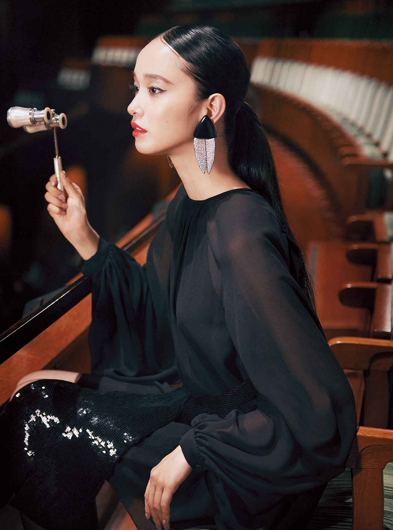 Images : 6番目の画像 - 「至福の時空へ誘う 華麗なる観劇スタイル」のアルバム - T JAPAN:The New York Times Style Magazine 公式サイト