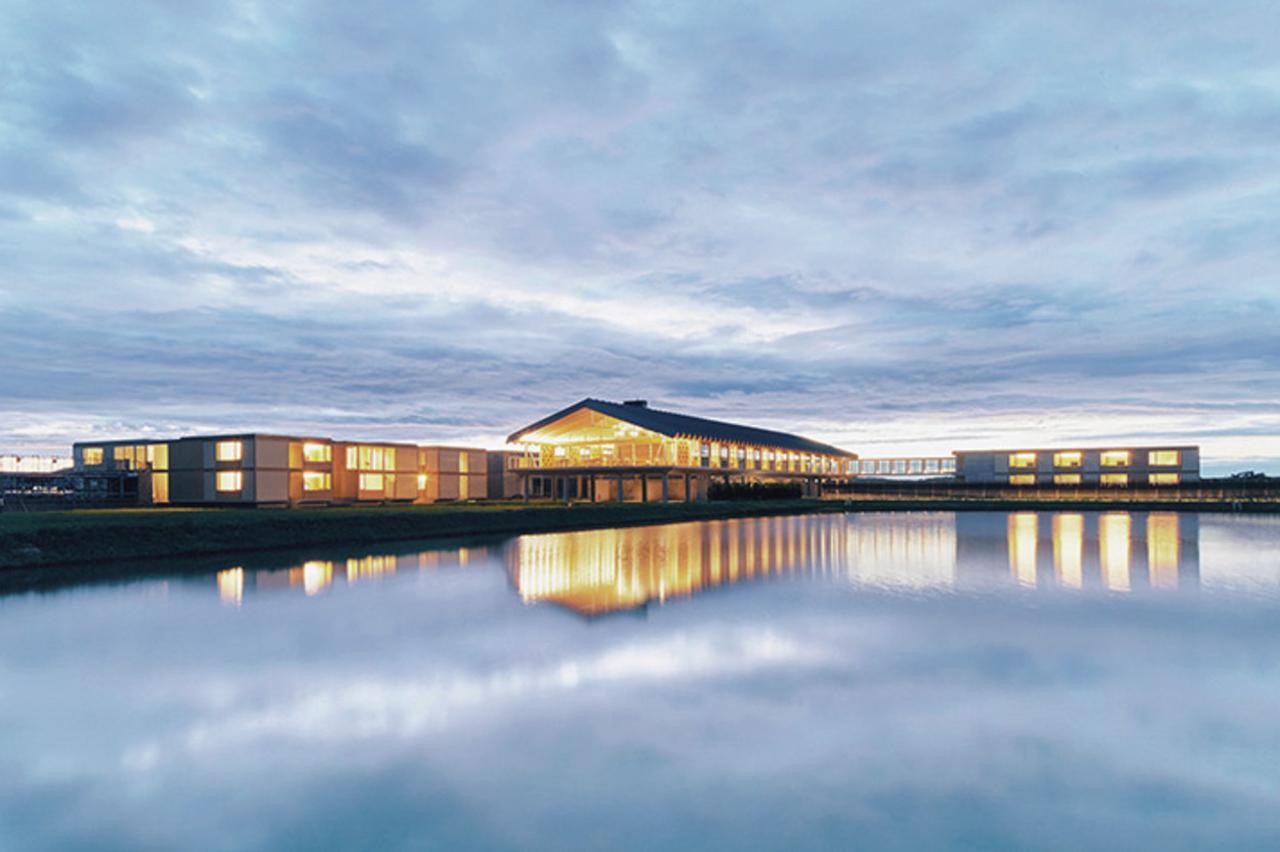 Images : 3番目の画像 - 「水田の中に誕生した 坂 茂デザインのホテル」のアルバム - T JAPAN:The New York Times Style Magazine 公式サイト