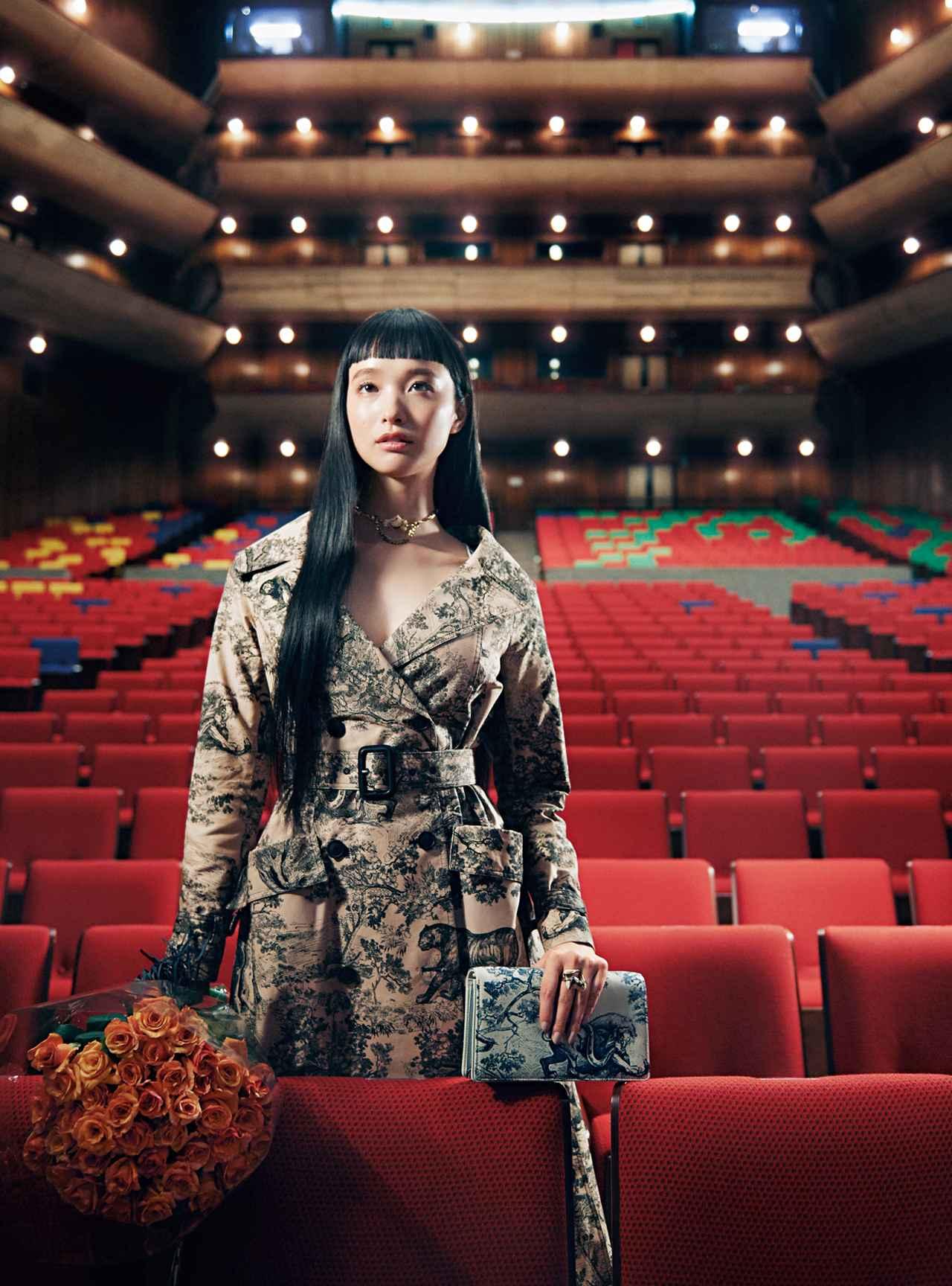 Images : 1番目の画像 - 「至福の時空へ誘う 華麗なる観劇スタイル」のアルバム - T JAPAN:The New York Times Style Magazine 公式サイト