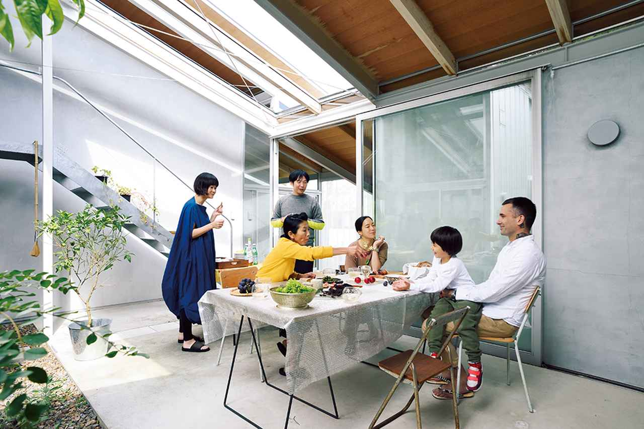 Images : 1番目の画像 - 「「西野山ハウス」の人々が紡ぐ 未来のユートピア」のアルバム - T JAPAN:The New York Times Style Magazine 公式サイト
