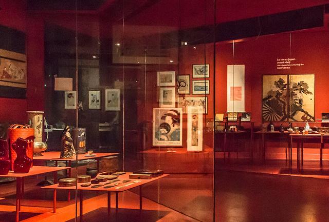 画像: 日本の明治時代以前の生活を紹介する展示風景 PHOTOGRAPH BY LASZLO HORVATH