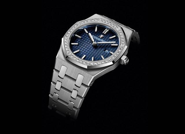 画像: ロイヤル オーク・クォーツ <33mm径、ダイヤモンド、チタンケース、プラチナベゼル&リンク、クォーツ> ¥2,900,000