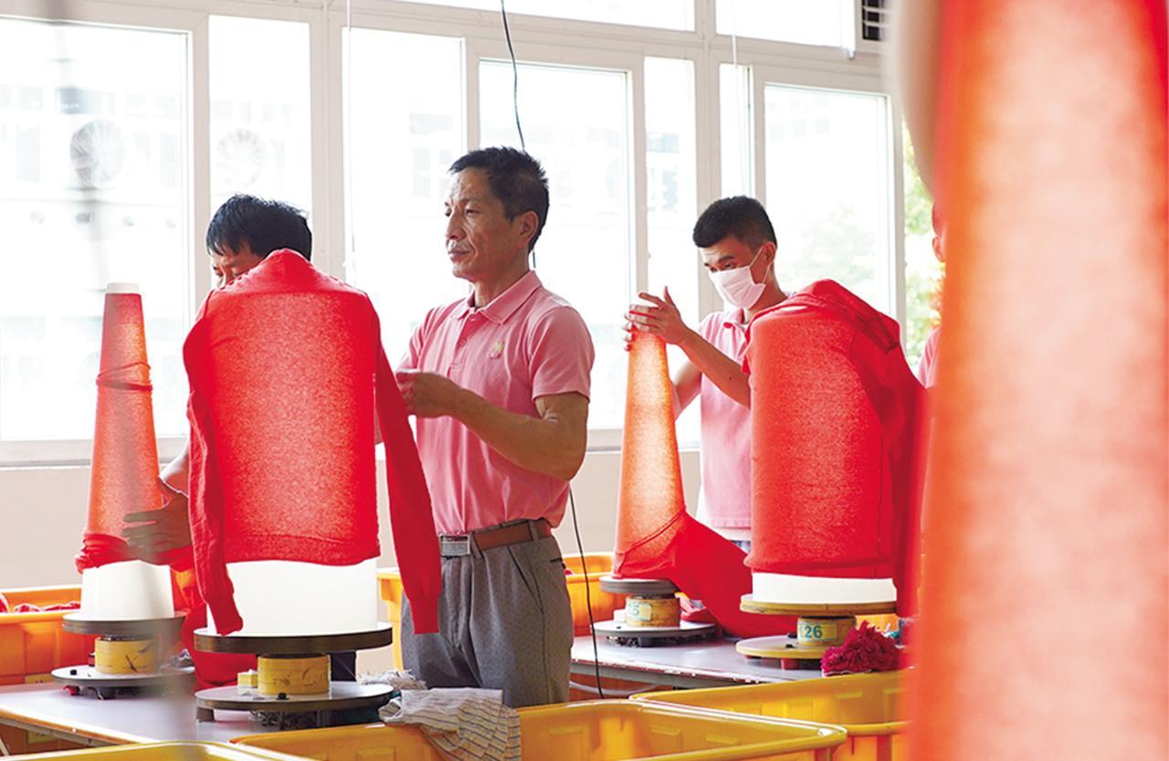 Images : 8番目の画像 - 「ユニクロが編む ニットの未来を見に行く」のアルバム - T JAPAN:The New York Times Style Magazine 公式サイト