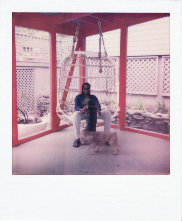 画像7: ポラロイド写真で綴る ミカリーン・トーマスの一週間