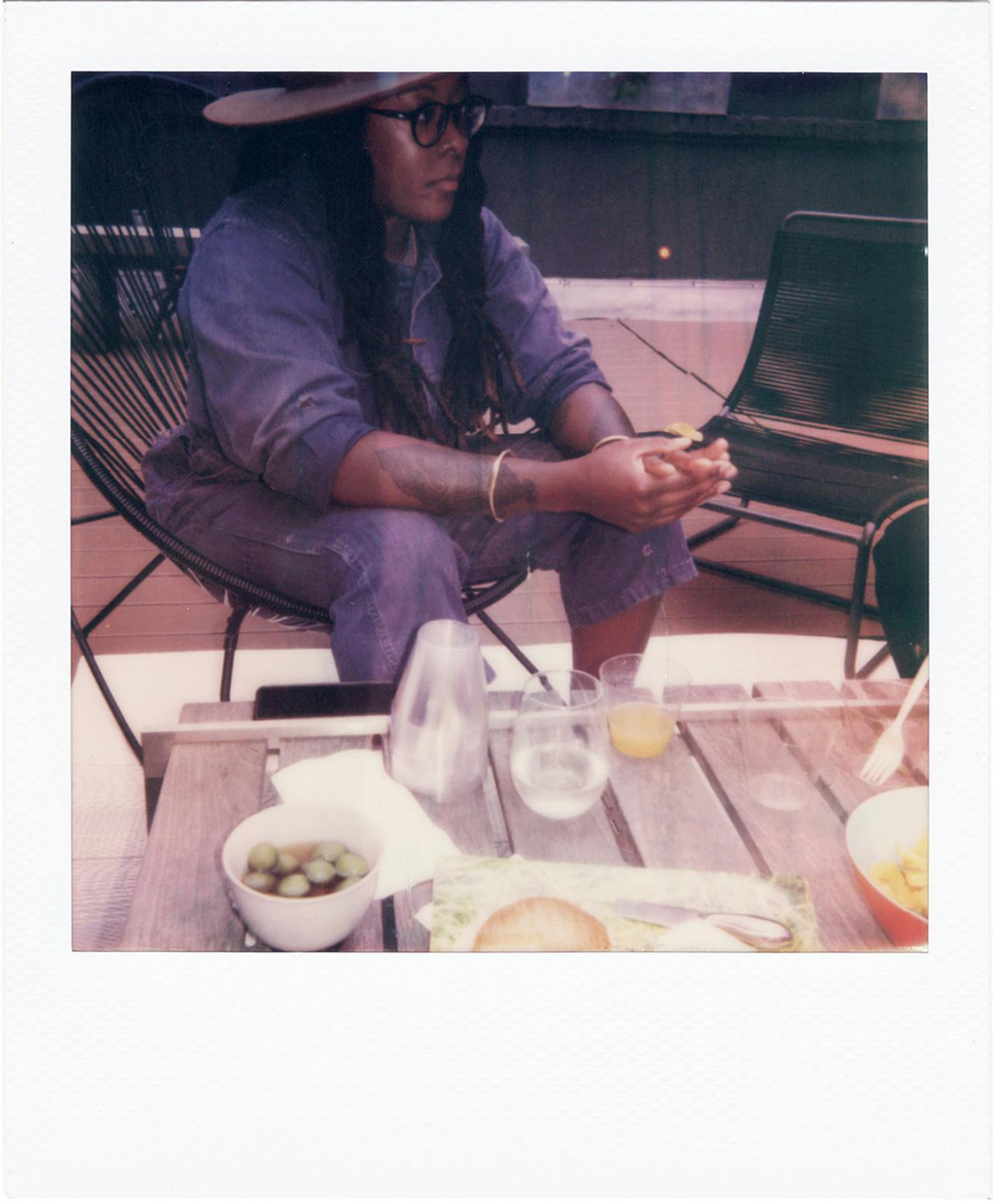 Images : 6番目の画像 - 「ポラロイド写真で綴る ミカリーン・トーマスの一週間」のアルバム - T JAPAN:The New York Times Style Magazine 公式サイト