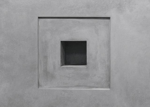 画像: モスクワ現代美術館「ガレージ」にある、タリン・サイモンの《Black Square XVII》。この作品が完成するのは3015年だ TARYN SIMON, ''BLACK SQUARE,'' 2006–, VOID FOR ARTWORK, PERMANENT INSTALLATION AT GARAGE MUSEUM OF CONTEMPORARY ART, MOSCOW ©TARYN SIMON. COURTESY OF THE ARTIST AND GARAGE MUSEUM OF CONTEMPORARY ART, MOSCOW
