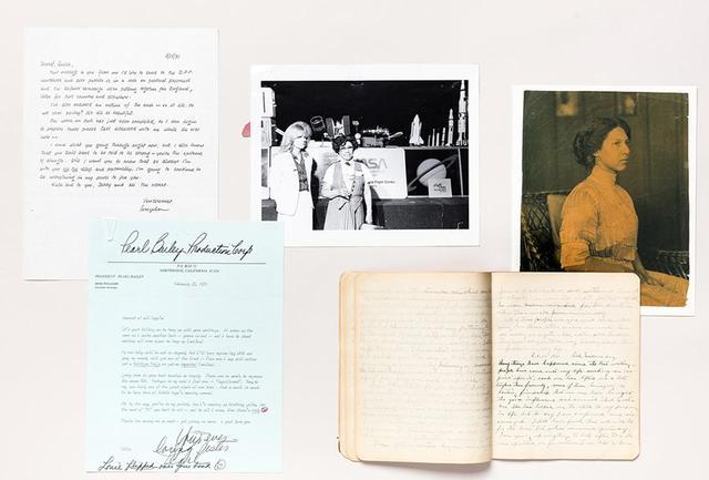 画像: (左上より時計回りに) アンジェラ・デイヴィスがエリカという名前の囚人に当てた1971年の手紙。航空業界の先駆けアイダ・ヴァン・スミスの写真。彫刻家ミタ・ワーウィック・フラーのポートレート写真。フラーの日記。女優で歌手であったパール・ベイリーがマヤ・アンジェロウに当てた手紙 PHOTOGRAPH BY NICHOLAS CALCOTT