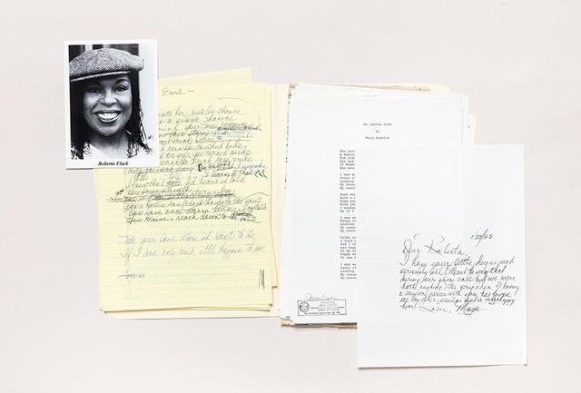 画像: マヤ・アンジェロウと歌手のロバータ・フラックとの手紙のやりとり PHOTOGRAPH BY NICHOLAS CALCOTT