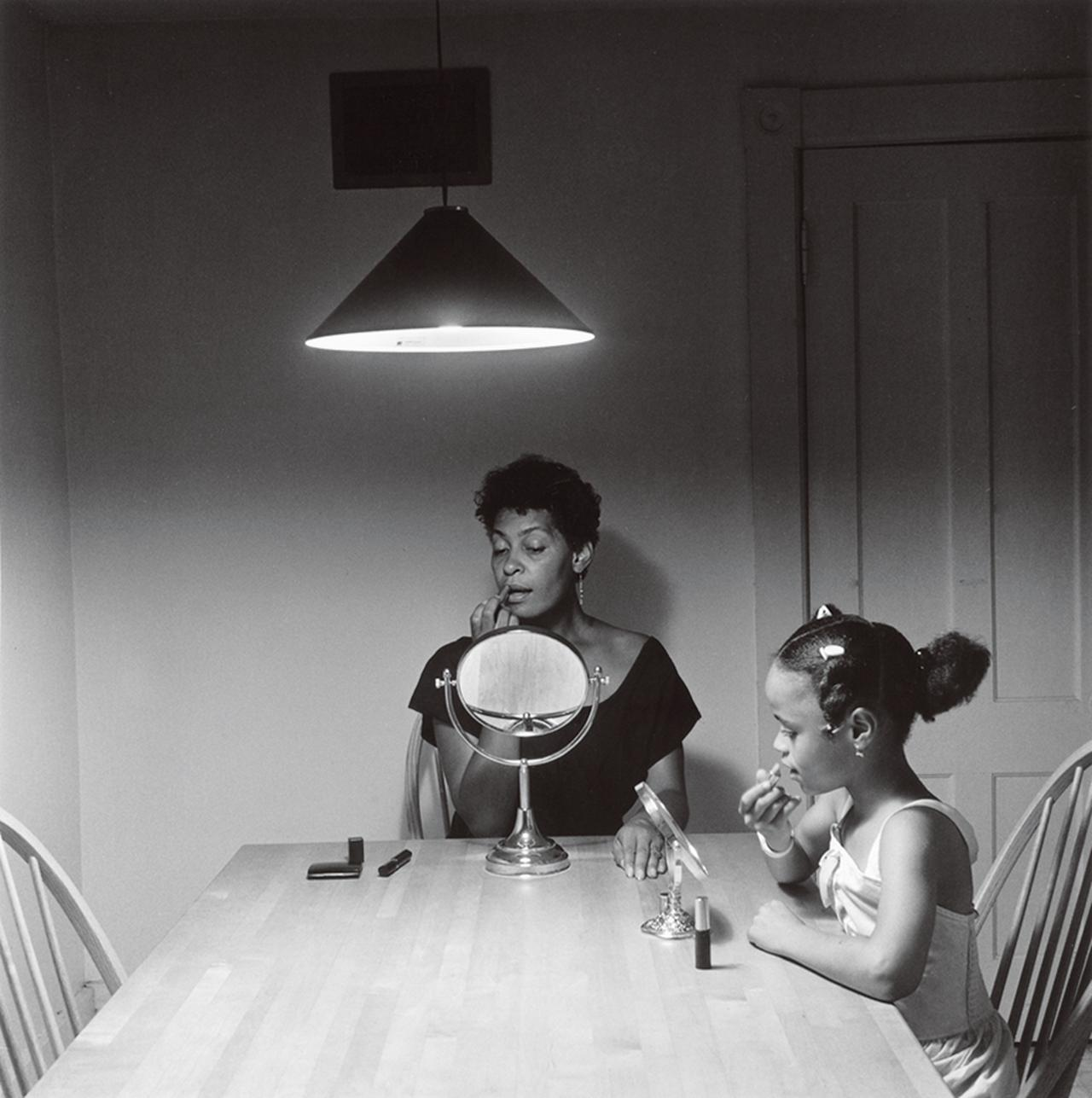 Images : 『Untitled(Woman and Daughter With Make Up)』