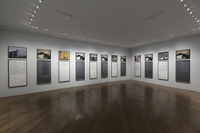 画像: 『「ソフィ カル ー 限局性激痛」原美術館コレクション』展示風景。第2部の展示スペース ©SOPHIE CALLE / ADAGP PARIS AND JASPAR TOKYO, 2018 PHOTOGRAPH BY KEIZO KIOKU ほかの写真もみる