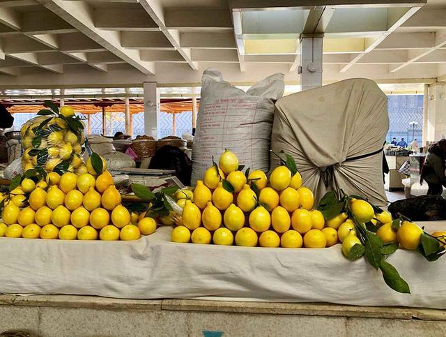 画像: レモンも豊富で、ディスプレイもなかなかのもの
