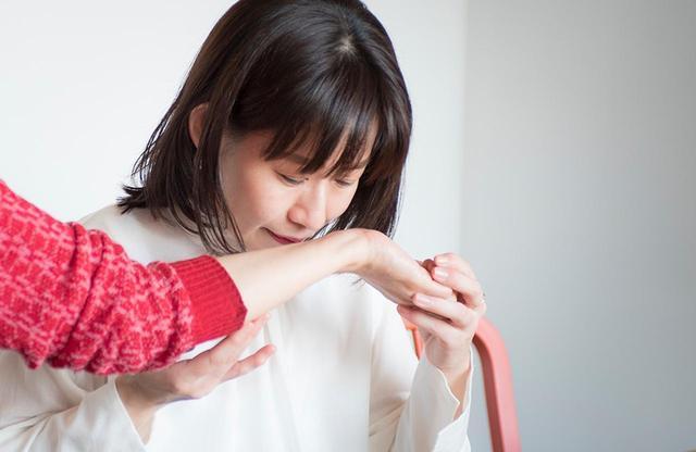 画像: 「特別な能力というわけではなく、メソッドに従ってきちんと鍛えることで肌の匂いも嗅ぎ分けられるようになります」と杏さん