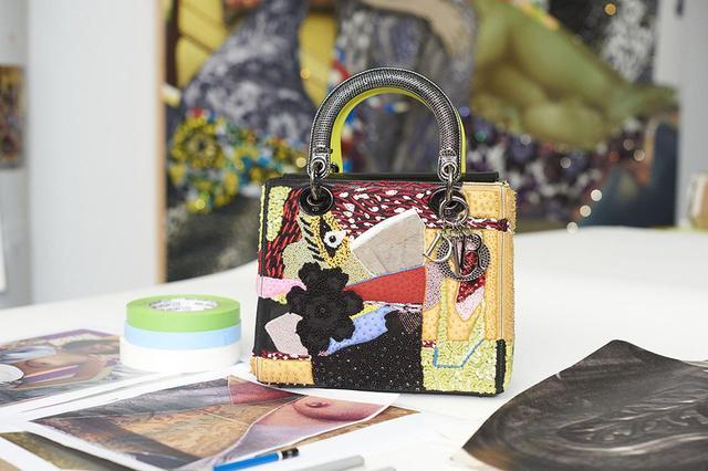 画像: ミカリーン・トーマスによるデザイン(ミディアムサイズ)¥1,400,000 © PETER ASH LEE ほかのバッグをみる