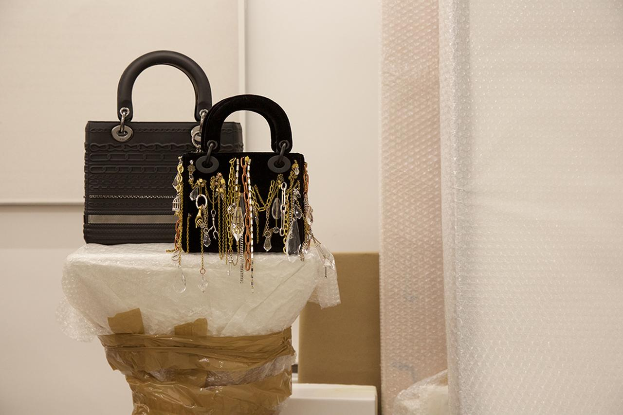 Images : イザベル・コルナロによるバッグ(ミニサイズ)