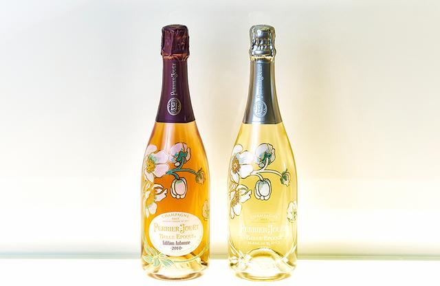 画像: (左より) 「ペリエ ジュエ ベル エポック エディション オータム 2010」 <750ml>¥50,000(参考価格) シャルドネ45%、ピノ・ノワール50%、ムニエ5%。熟成8年。ラズベリーやオレンジ、スパイスの香り。赤ワインを15パーセントブレンド。プレスティージュには使用される頻度が少ないムニエを少量ブレンドすることで、まろやかなバランスが保てるという 「ペリエ ジュエ ベル エポック ブラン・ド・ブラン 2006」 <750ml>¥80,000(参考価格) シャルドネ100%。熟成10年。アカシア、サンザシ、ライラックの香り。余韻が長く、ハチミツのニュアンスも感じられる。シャルドネの聖地コート・デ・ブラン地区でもミネラル豊かでしなやかな酸味をもつクラマン村のシャルドネのみを使用