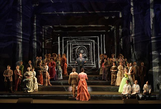 画像: 2018年10月に上演された大野芸術監督就任第一弾『魔笛』(ウィリアム・ケントリッジ演出・美術)は、大野がかつて音楽監督をつとめたベルギー王立モネ劇場制作のヒット作。これからは新国立劇場のレパートリーだ PHOTOGRAPH BY MASAHIKO TERASHI