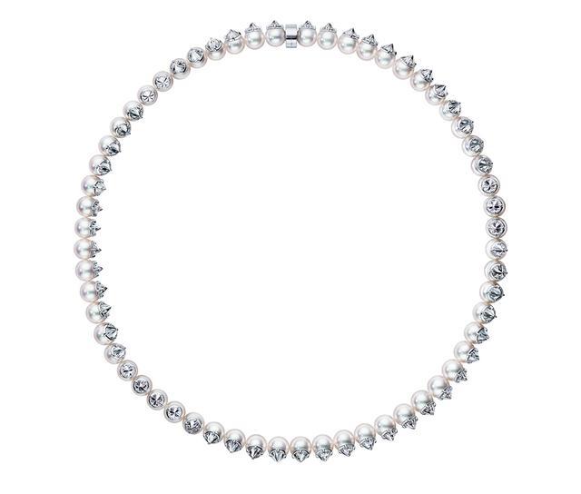 画像: リファインド リべリオン スプレンディッド ネックレス¥32,100,000 <Pt、あこや真珠、ダイヤモンド> ほかのアイテムもみる