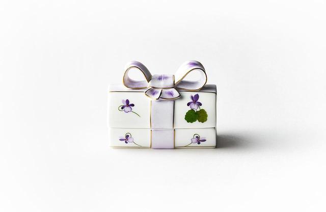 画像: ヘレンド バイオレット リボンボックス <D約5cm×L8.5cm×H6.5cm>¥37,000