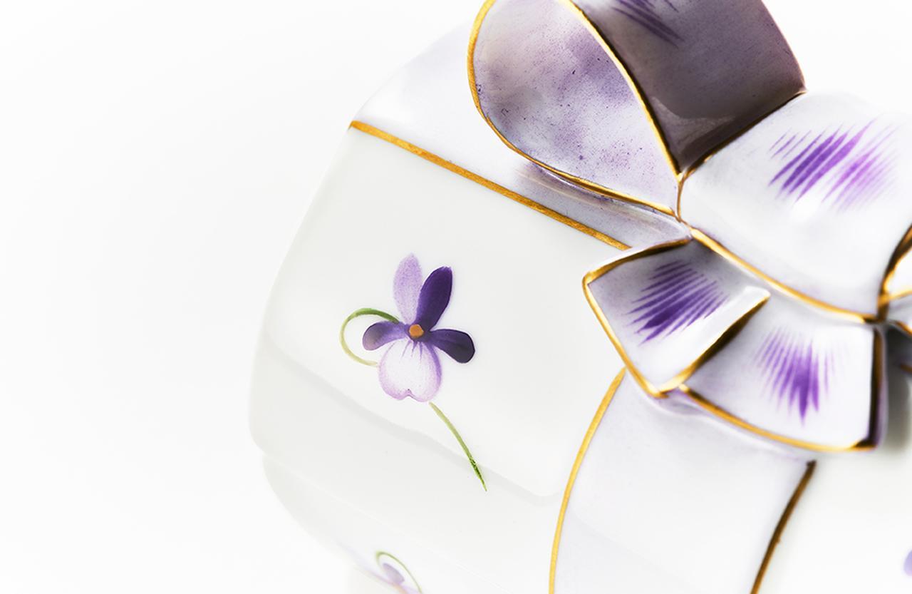 Images : 4番目の画像 - 「Vol.12 ギフトコンシェルジュ真野知子の 贈りものごよみ ― スミレの花と ホワイトデーのギフト」のアルバム - T JAPAN:The New York Times Style Magazine 公式サイト