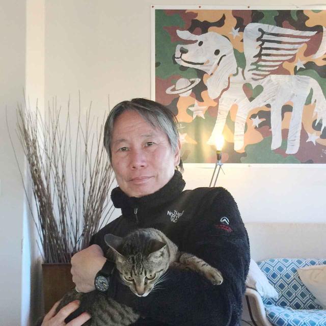 画像: 真鍋太郎(TARO MANABE)さん 1951年生まれ。大学卒業後、黒田征太郎氏、長友啓典氏率いる「K2」にてグラフィックデザインとイラストレーションを学び、独立。PICAROTAROの名義でイラストレーション、オブジェの制作、アートディレクションやライブパフォーマンスなど、立体・空間を問わずさまざまなスタイルを展開する Instagram COURTESY OF BONANZA
