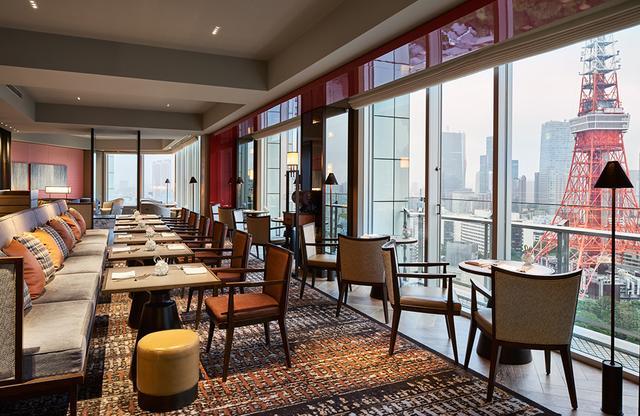 画像: 32階にあるプレミアムクラブラウンジ。広いラウンジ内はダイニングエリア、ラウンジエリア、フードコーナー、会議室エリアに分かれ、専任スタッフのサポートで朝食、ティータイム、カクテルタイム、ナイトキャップ(19:30~21:30)の贅沢な時間が用意されている PHOTOGRAPHS: COURTESY OF THE PRINCE PARK TOWER TOKYO