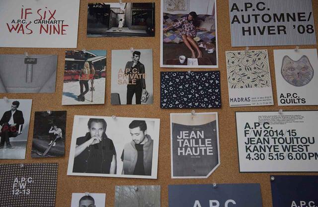 画像: リュ・マダム通りにある本社にアーカイブされているA.P.Cのポスター