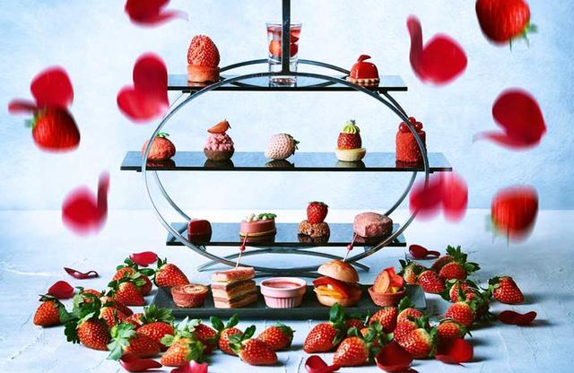 画像: ちょうど今の時期は、大人気で人が絶えないイチゴ満載の「初恋のストロベリー・アフタヌーンティー」も開催中(3月31日(日)まで)