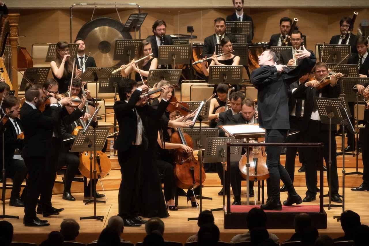 Images : 2番目の画像 - 「クルレンツィス、かく語りき。 世界中のクラシックファンが 注目する若き鬼才の肉声」のアルバム - T JAPAN:The New York Times Style Magazine 公式サイト