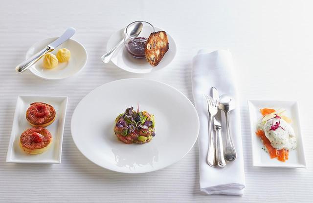 画像: クラブラウンジでのみ味わえる、洗練されたピエール・ガニェールの朝食は数量限定で提供される PHOTOGRAPHS: COURTESY OF ANA INTERCONTINENTAL TOKYO