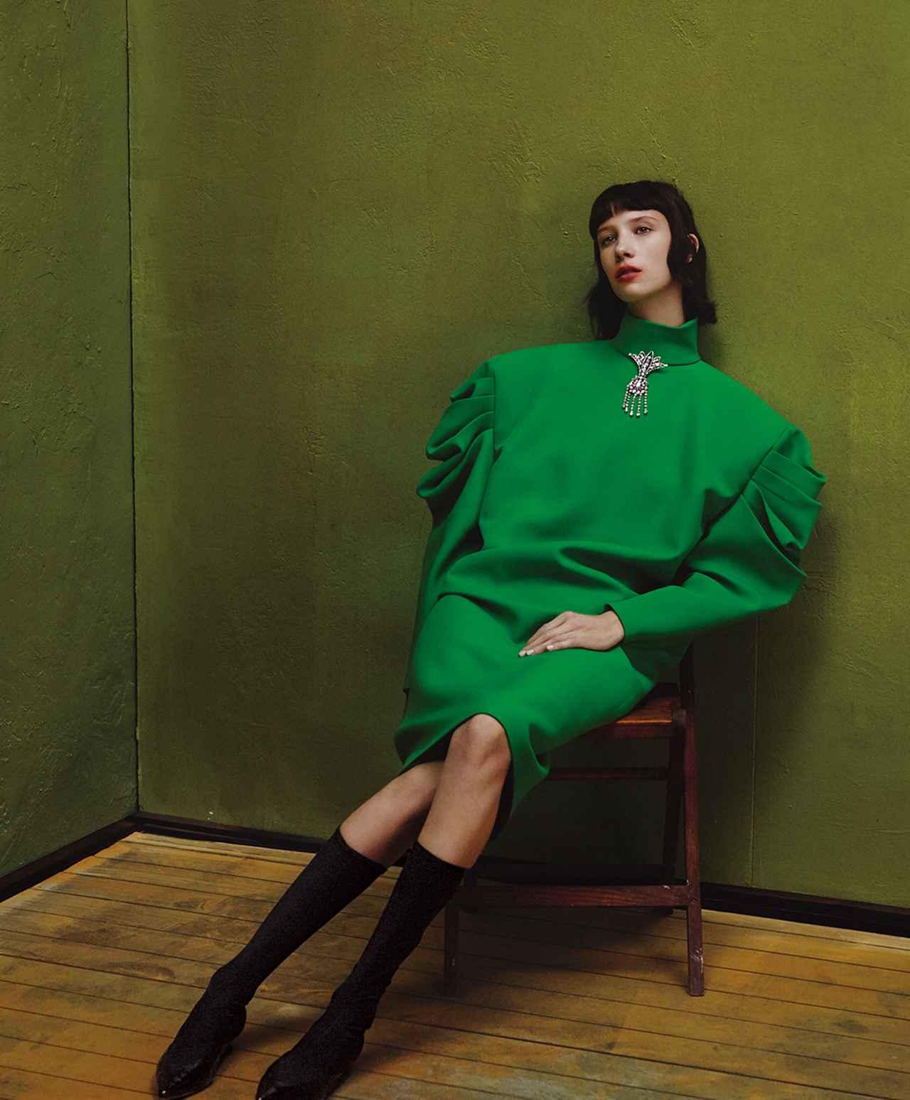Images : 2番目の画像 - 「春、モードは ドラマティックなフォルムに 回帰する」のアルバム - T JAPAN:The New York Times Style Magazine 公式サイト