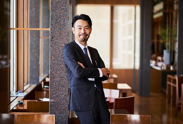 """画像: 西村篤氏。熊本ワイン 製造部部長 「3ワイナリーが中心となって、技術など、全体的に""""底上げ""""ができたらと思っています。広く皆様に九州ワインを知っていただきたいですね」(熊本県) www.kumamotowine.co.jp"""