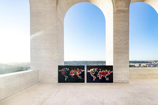 画像: フェンディ本社があるイタリア文明宮で行われた「フェンディ クラフ」。イタリア文明宮は、四角いコロッセオとして知られる歴史的建造物で、フェンディは2015年に本社をここへ移転した