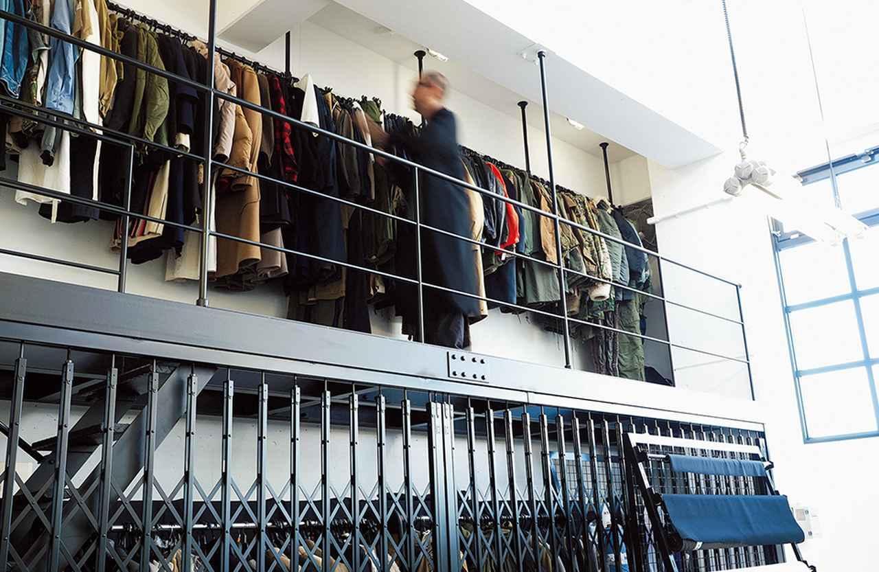 画像: 資料として買い集めた古着はgreen時代のアーカイブとともにオフィスに大量に保管されている