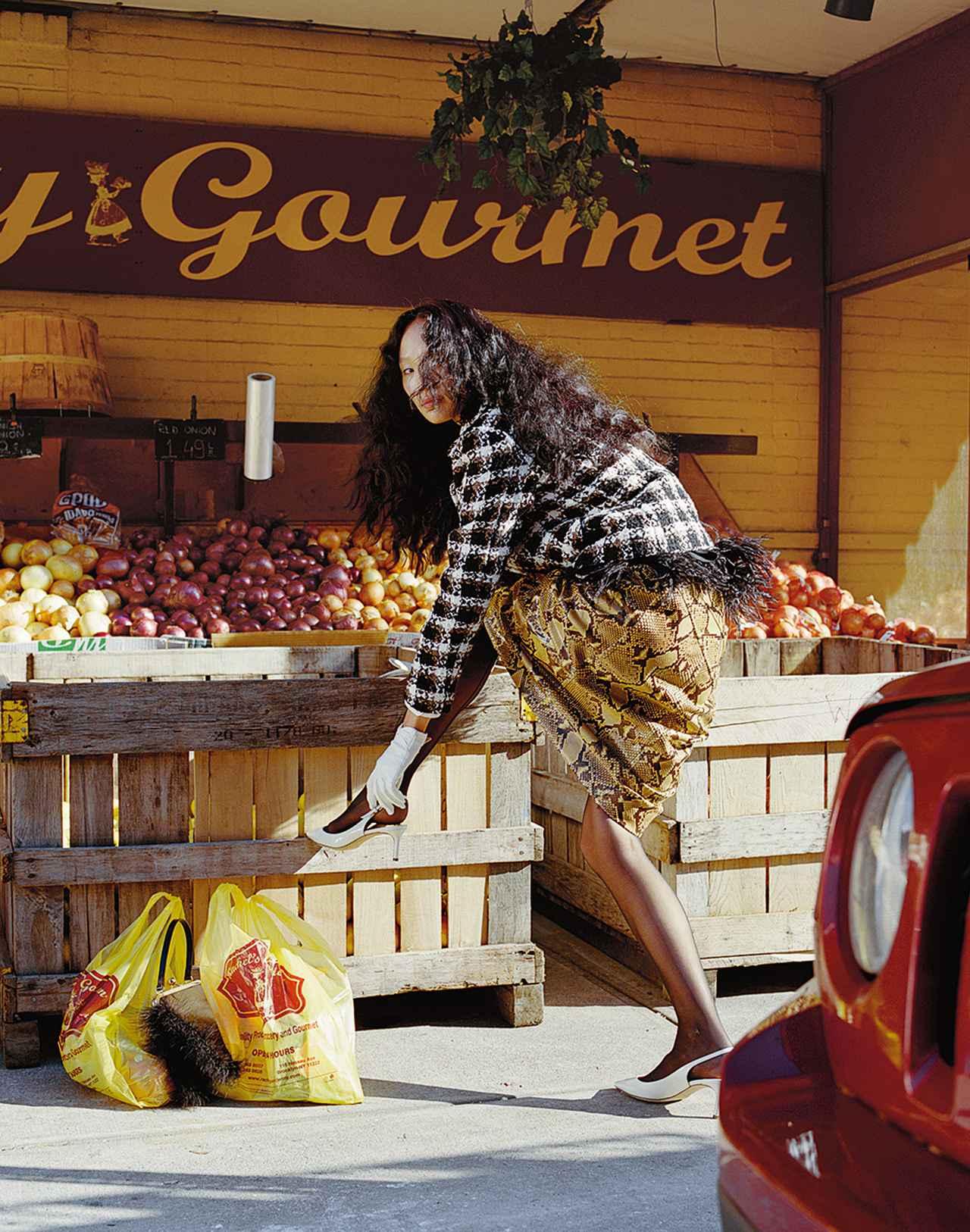 Images : 6番目の画像 - 「日常に華麗なるカオスを。 パワフルに着こなす 「レディ・ライク」」のアルバム - T JAPAN:The New York Times Style Magazine 公式サイト