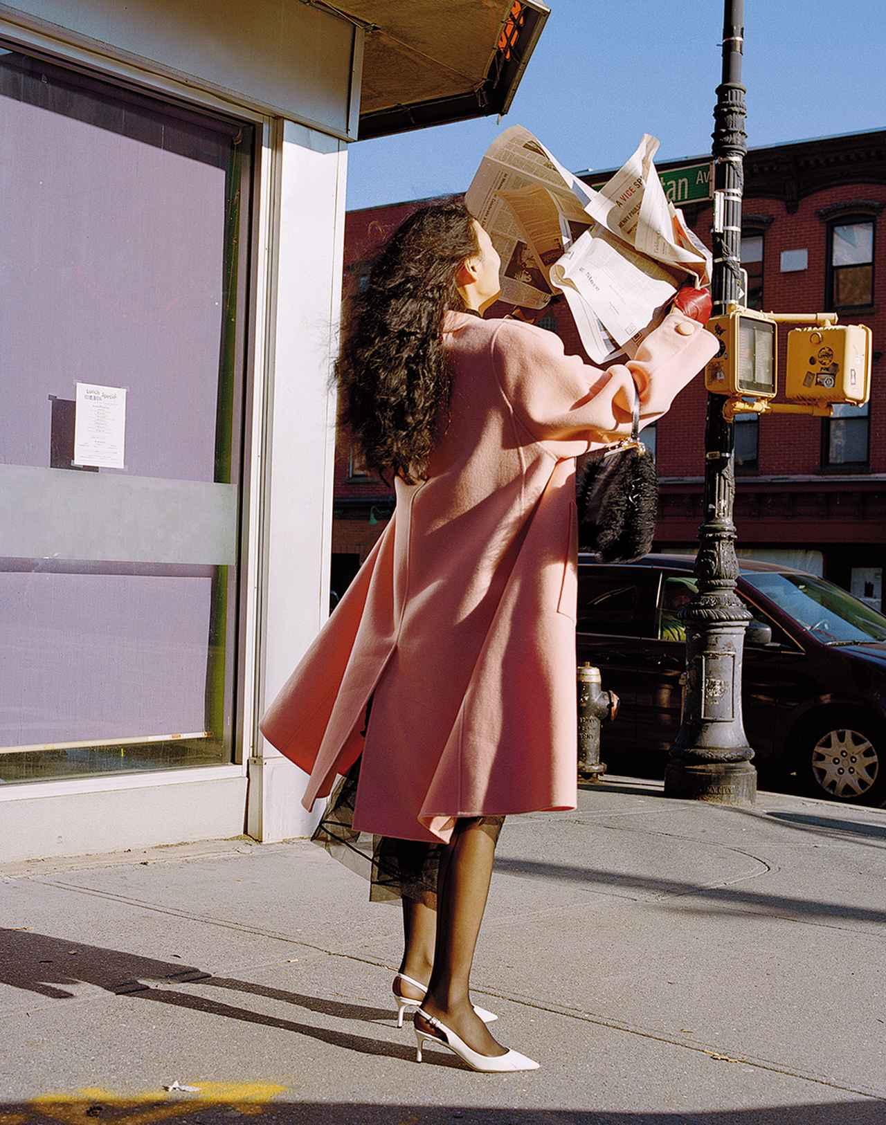 Images : 4番目の画像 - 「日常に華麗なるカオスを。 パワフルに着こなす 「レディ・ライク」」のアルバム - T JAPAN:The New York Times Style Magazine 公式サイト