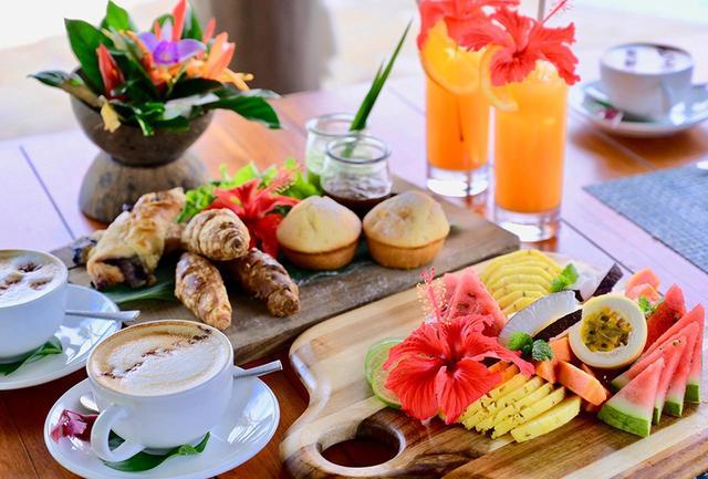 画像: ナヌク・オーベルジュでは、フィジーのフレッシュな食材を使ったヘルシーな朝食が定番