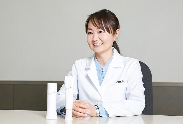 画像: 佐々(さっさ)祥子さん ポーラ化成工業 フロンティア リサーチセンター所属。2010年に入社してすぐPCE-DPの開発に携わるとともに、2018年には化粧品界のオリンピックと言われるIFSCC世界大会にて、筋肉が美肌に関与しているという新知見の発表者に名を連ねるなど、精力的に研究を行う